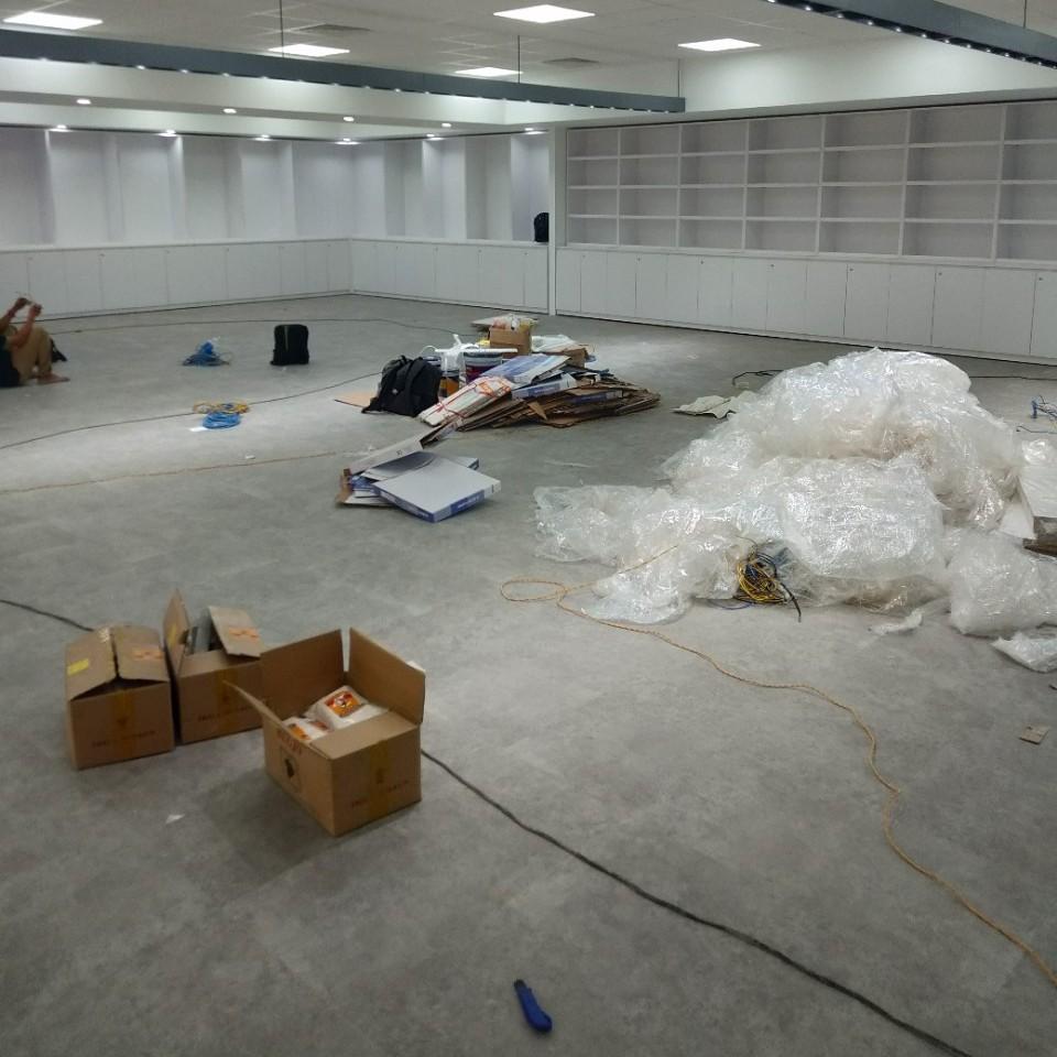 sàn vinyl trải nhà xưởng